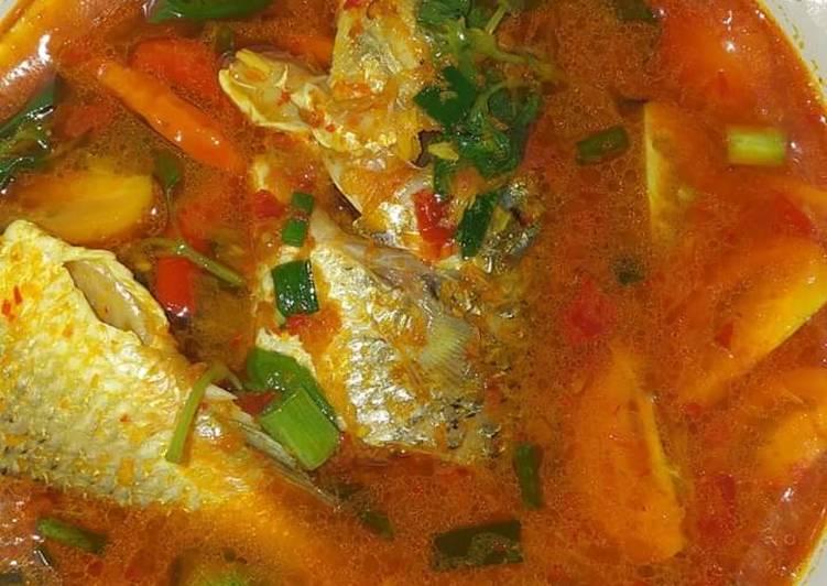 Ikan Kuah Kuning Khas Maluku