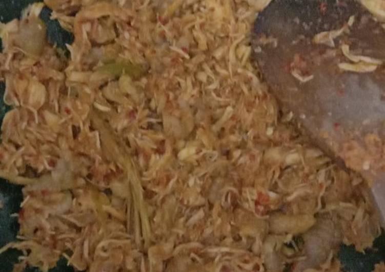 Resep Ayam Suwir Bumbu Merah yang Bikin Ngiler