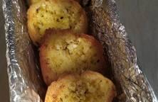 Bánh mì nướng bơ tỏi