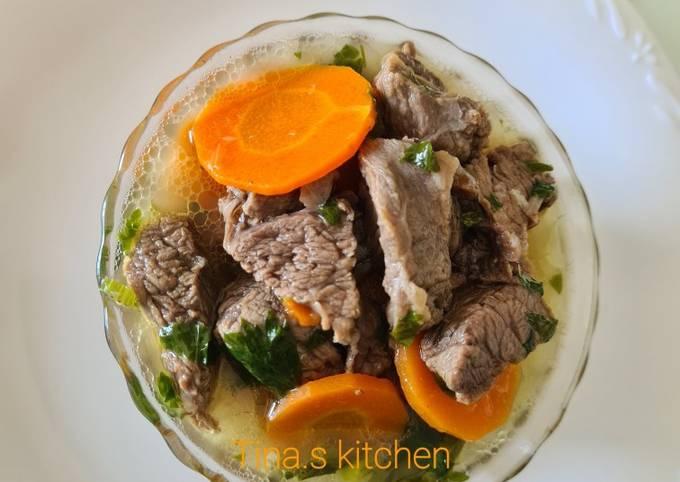 Bagaimana Menyiapkan Sop daging sapi Anti Gagal