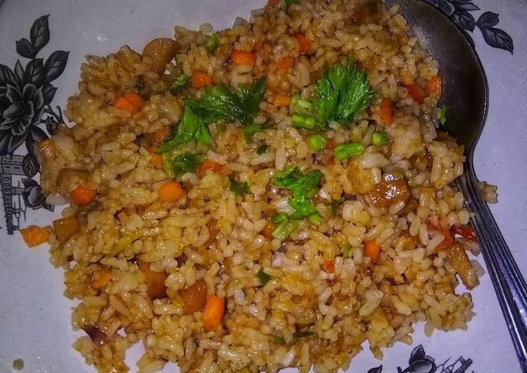Nasi goreng sosis wortel