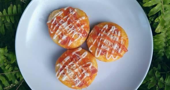 Resep Pizza Mini Ekonomis Tanpa Telur Tanpa Oven 3 Piring Sehari