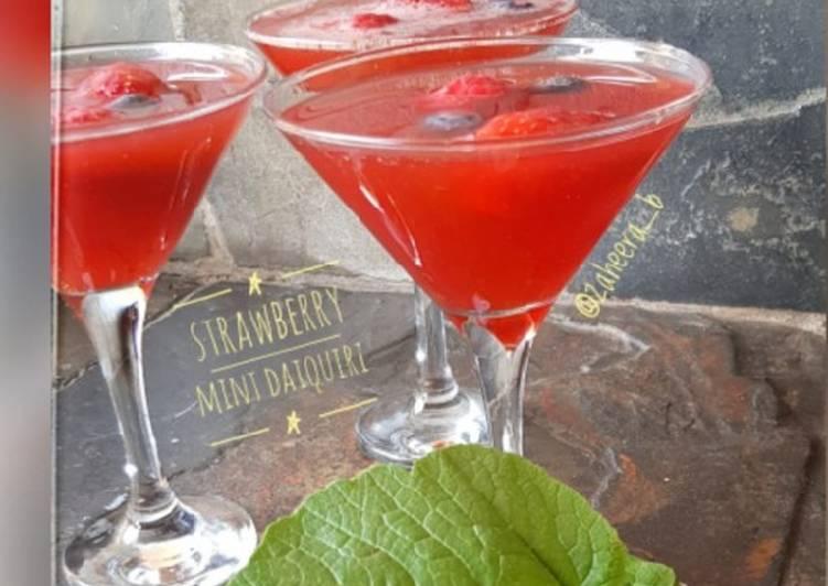 Steps to Prepare Ultimate Strawberry mint daiquiri #justblendit
