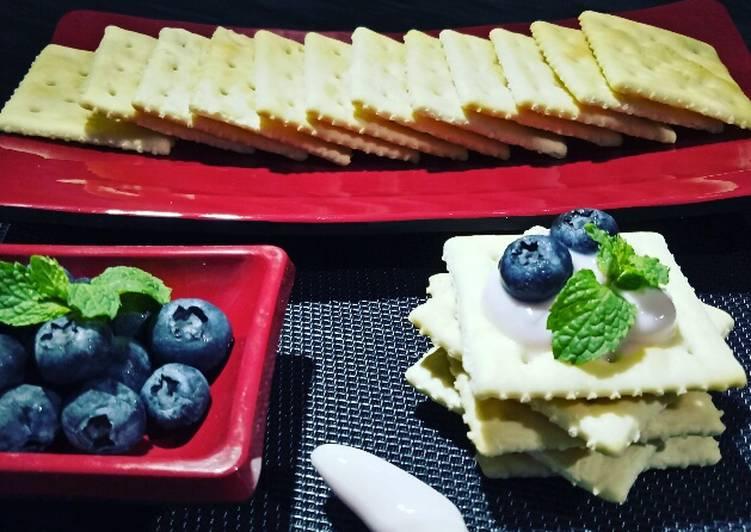 Cracker & Yogurt || tips makan cracker yg enak