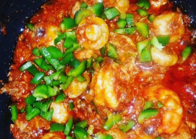 Steps to Prepare Favorite Mushrooms, Prawns and Mashed Red Snapper in tomatoe Sauce