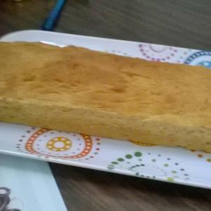 Pan tipo rústico de queso y hierbas para untarle algún paté (solamente amasado en máquina de pan).
