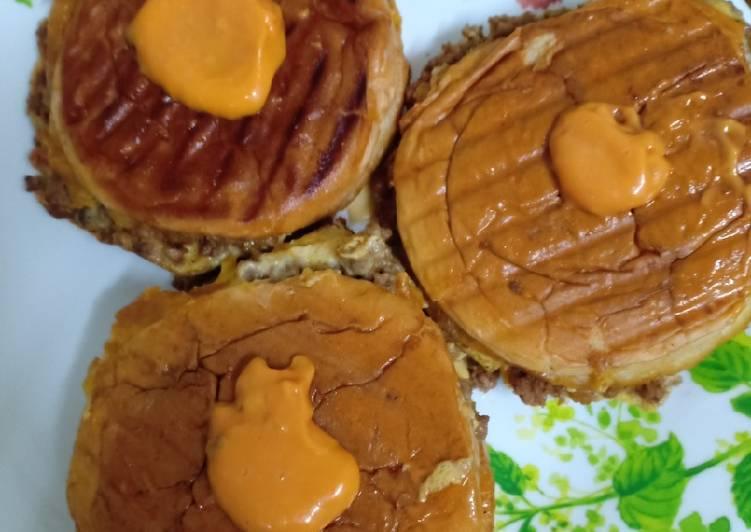Burger John #marathonraya #kudapan