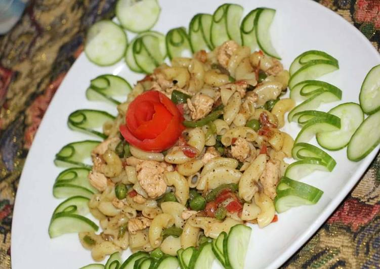 Chicken veggies macroni