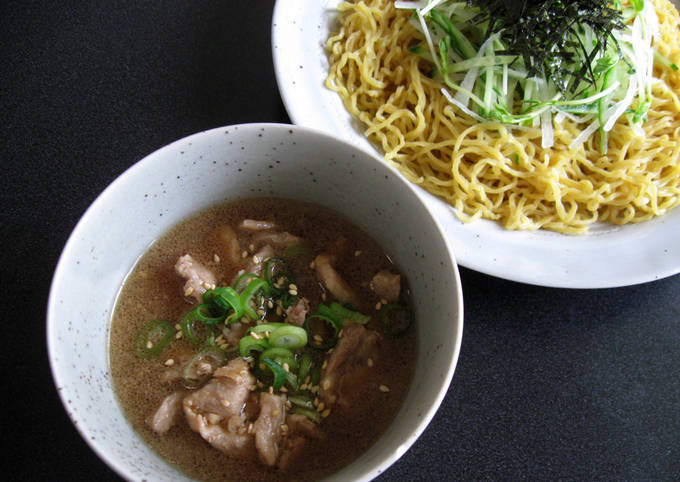 Cold Ramen Noodles With Pork Dipping Sauce