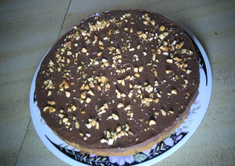 Banana nut cake with chocolate frosting