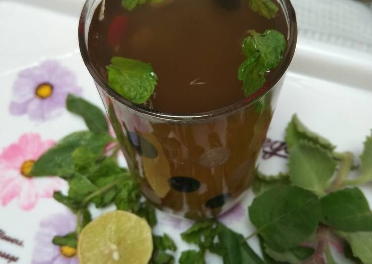 Step-by-Step Guide to Prepare Super Quick Homemade Herbal Tea of fresh leaves