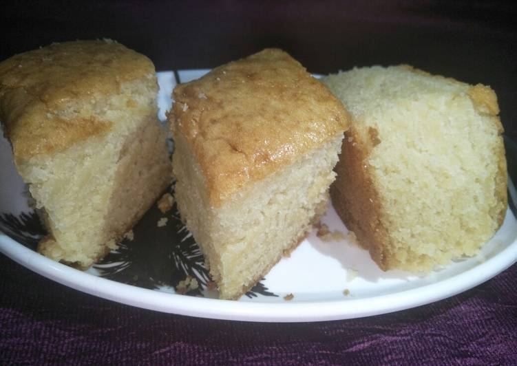 Eggless vanilla sponge cake without curd and condensed milk