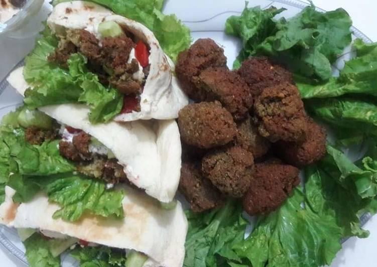 Recipe of Ultimate 🥙🥙🥙 🥗🥗Falafel and falafel pita sandwich 🥙🥙🥙🥗🥗🥗 #KokabandCookpad