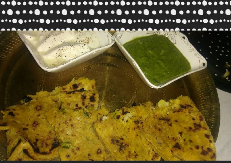 Gobi Paratha with mint chutney