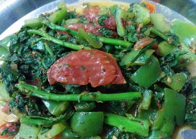 Asparagus, spinach salad