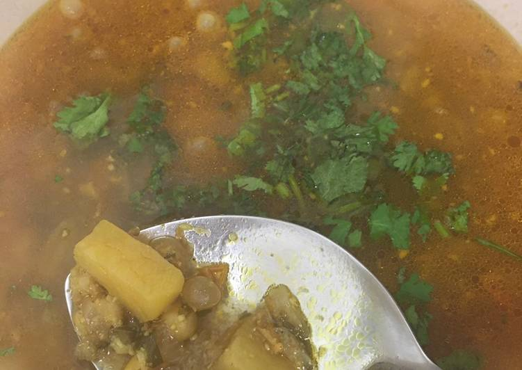 Recipe of Ultimate Usal (Yellow peas and potato curry) #mycookbook