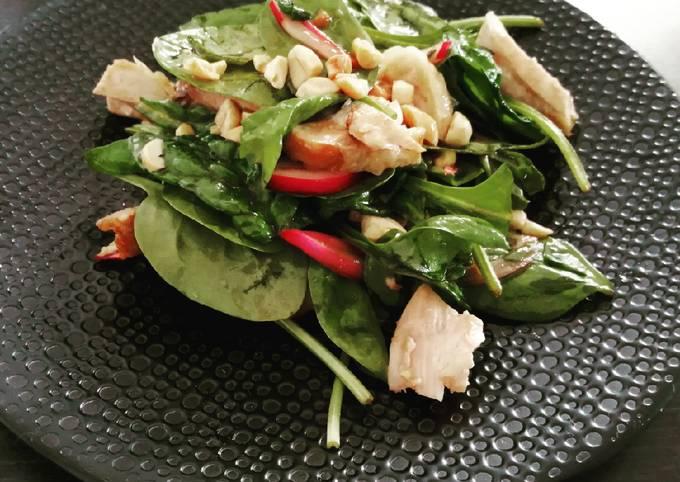 Salade d'épinards et poulet