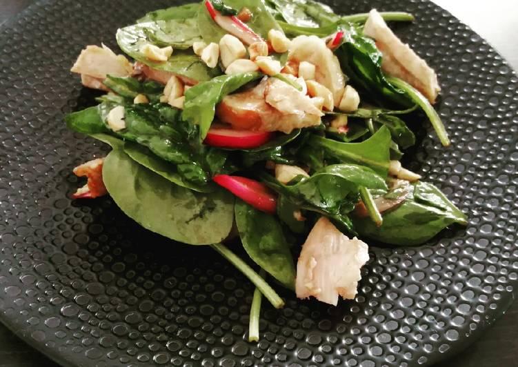 Recette: Appétissant Salade d'épinards et poulet