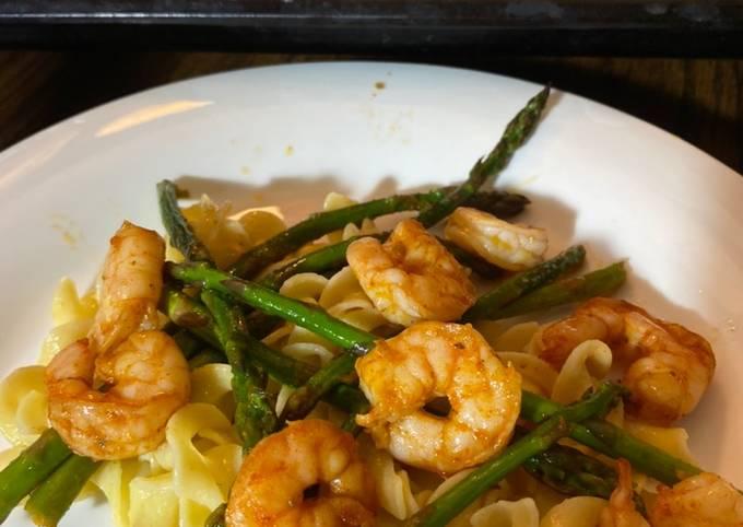 Buttery boiled shrimp and Asparagus