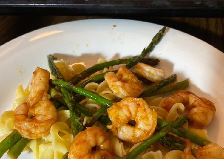Recipe of Speedy Buttery boiled shrimp and Asparagus