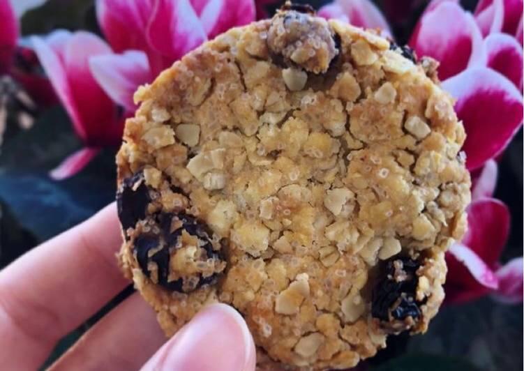 Biscotti ai fiocchi di avena e uvetta