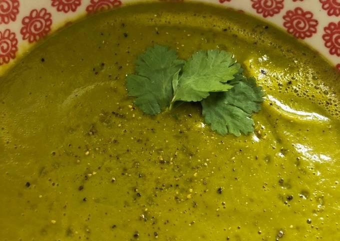 Sweet potato, spinach and coriander soup - vegan
