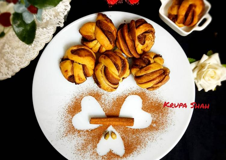 Spiced Nutella rolls (no oven, no yeast) Recipe by Krupa Kapadia Shah -  Cookpad