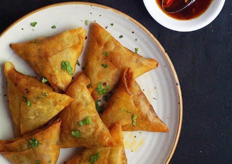 Crispy Chinese Keema Samosas