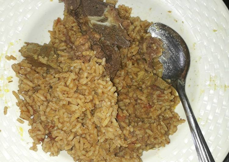 Cooked rice with beef