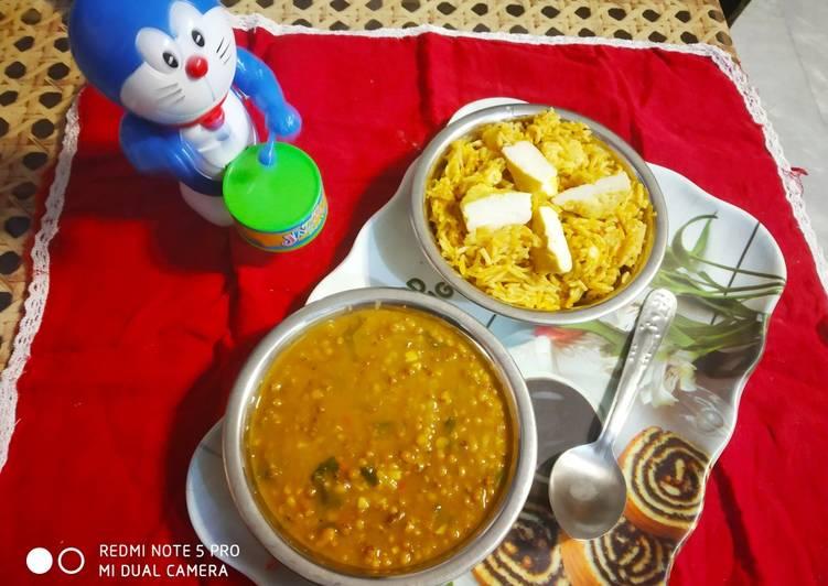 Steps to Make Speedy Moth dal with Shahi paneer Rice