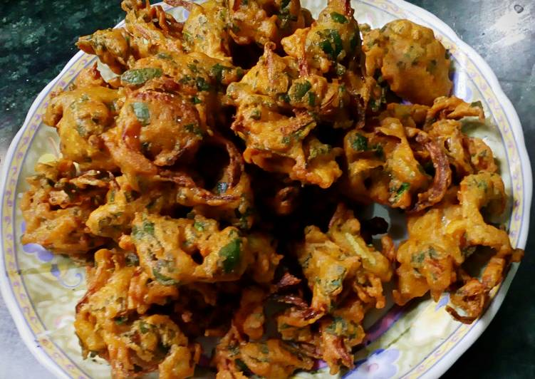 Palak besan fritters (healthy snack)