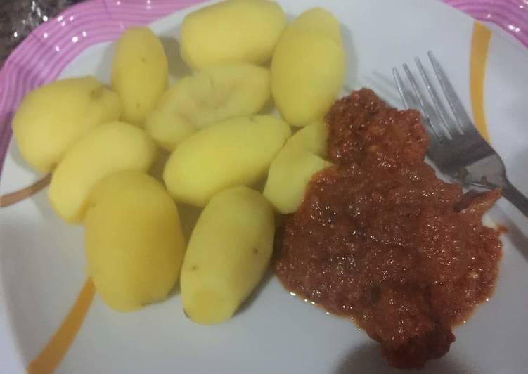 How to Prepare Appetizing Boiled Irish Potato & Beef Stew