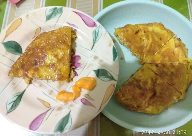 Omelet makaroni sayur