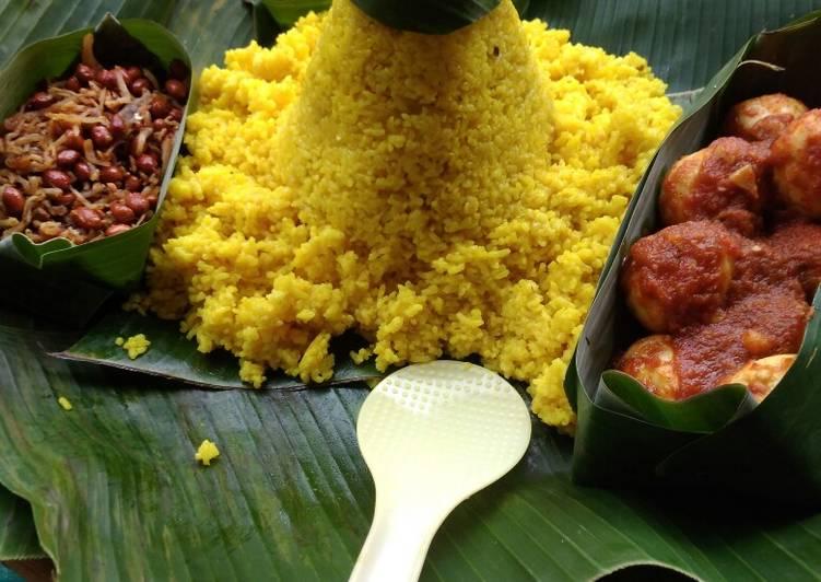 Tumpeng Nasi kuning meggicom
