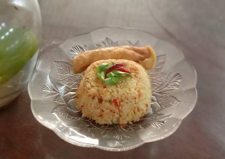 Nasi goreng kunyit -wangi dan pedas