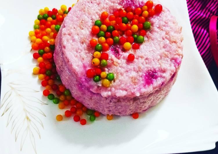 Recipe of Quick Strawberry 🍓 flavour bread 🍞 pudding