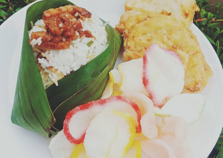 Nasi uduk (Betawi) magiccom - cookandrecipe.com
