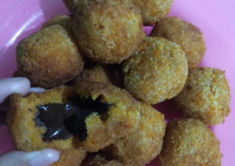 Resep Ubi coklat lumer yg lagi hits yang Bisa Manjain Lidah