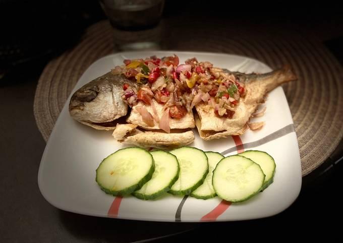 Fried fish with dabu sambal