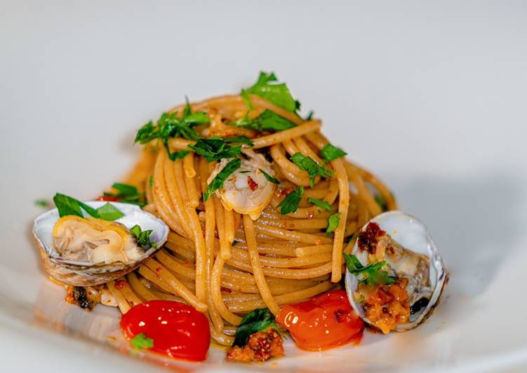 How to Make Yummy Spaghetti with Legumes with Sea Urchin and Clams