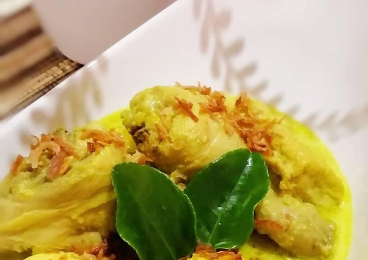 Opor Ayam Telur Bumbu Kuning 👍