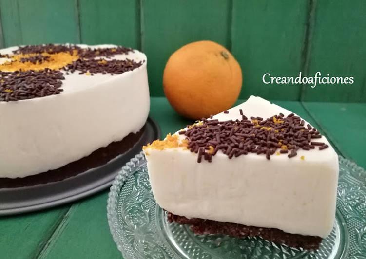 Tarta fría de naranja, queso fresco batido y yogur