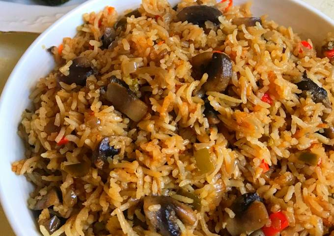 Burnt Garlic Mushroom Fried Rice without Sauce