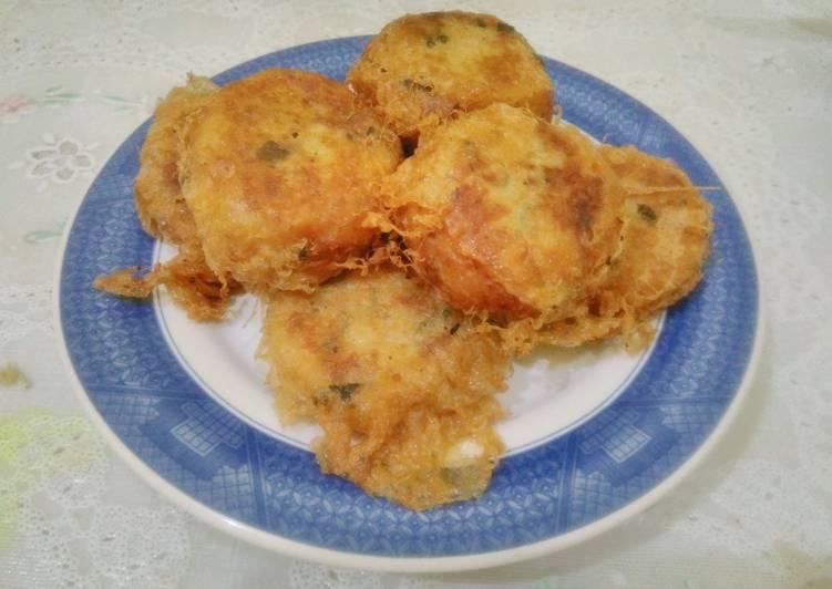 Perkedel kentang kornet/tongkol