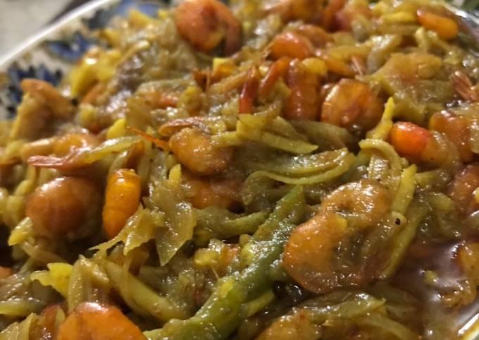 Homemade Spicy shrimp curry