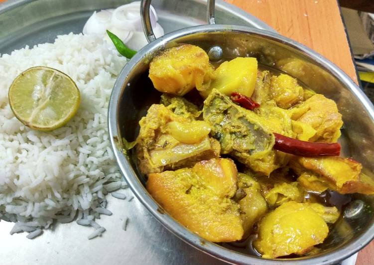 Goalondo Steamer curry or Boatman style chicken curry