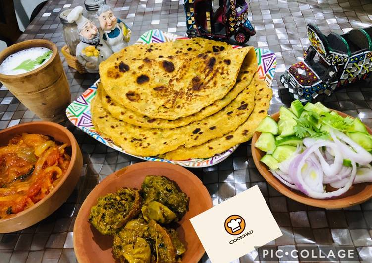 Village style dhaby wali besni roti with tomatoes chutni