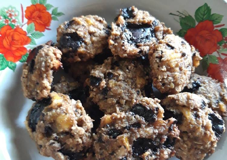 Chocolate Banana Oatmeal Cookies