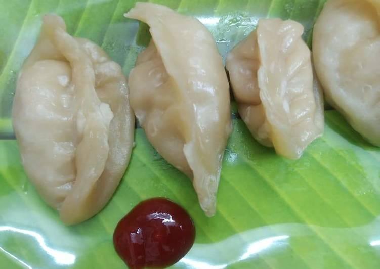 চিকেন স্টিম মোমো।(Chicken Stem Momo recipe in Bengali)