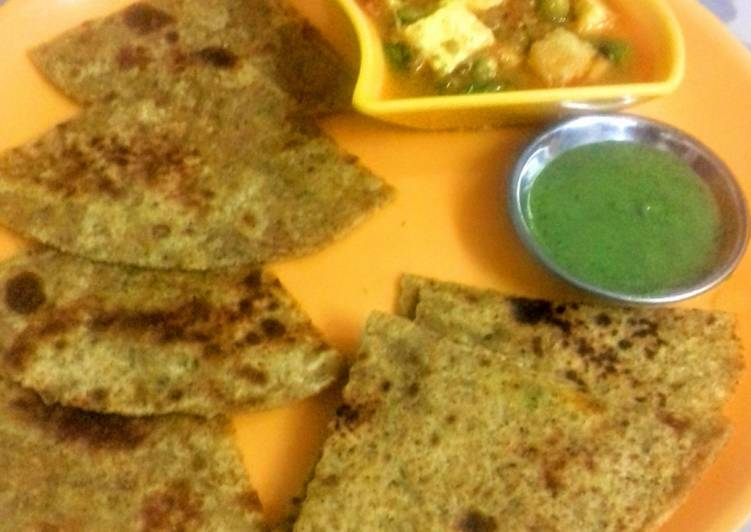 Get Inspiration of Churi Paratha with Peas-Paneer Curry